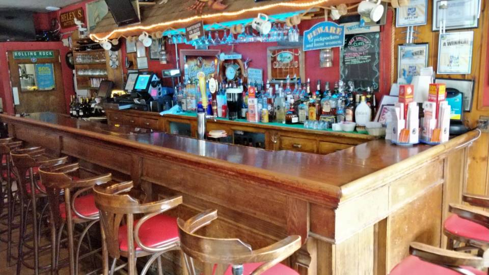 Cliff\'s Elbow Room - Jamesport Restaurant